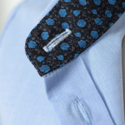 S420152960-collar